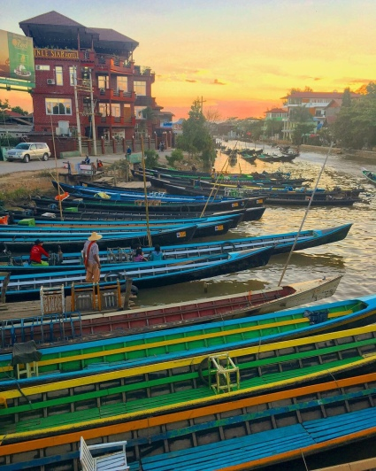 Nyaung Shwe harbour at sunset (Inle Lake).