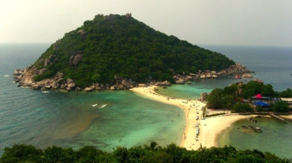 Ko Tao: snorkeling paradise at the twin rocks near Ko Hang Tao.