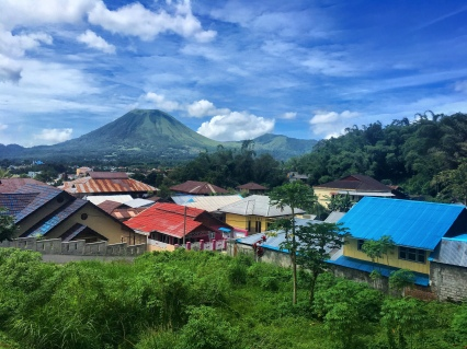 Volcano watching from Tomohon, a sympathetic town some 25 km inland from Manado.