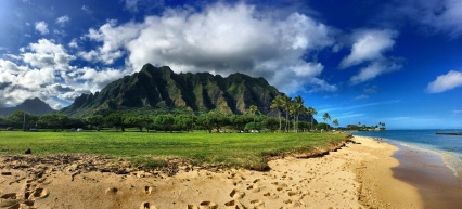The Kualoa Regional Park and Jurassic Valley – the extraordinary landscape provided the background for various Hollywood movies. One can see why.